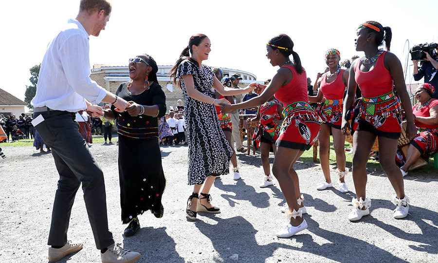 Before leaving Nyanga, Harry and Meghan got their groove on!