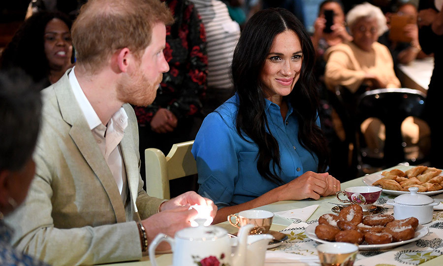 Harry and Meghan looked very happy to be there, and it looks like they enjoyed a good variety of sweets and dumplings. 