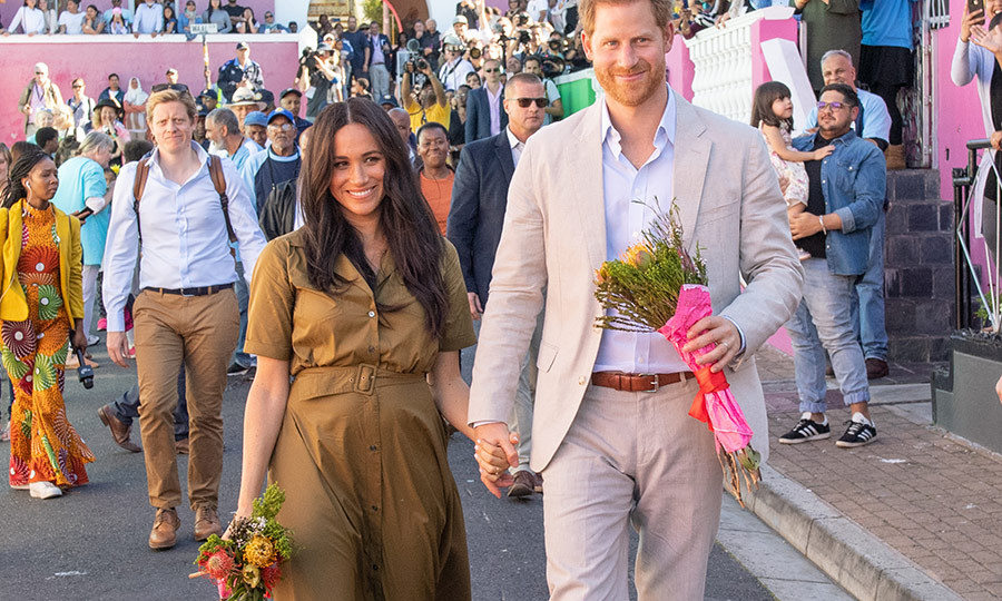 At the end of the engagement, Harry and Meghan walked through the streets and seemed thrilled and very happy at the welcome they'd received in Cape Town. 