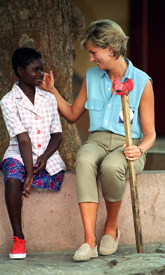 If Sandra is familiar, it's because Diana met her! She famously appeared in several photos with the Princess of Wales when she visited an orthopedic clinic in Luanda in 1997.