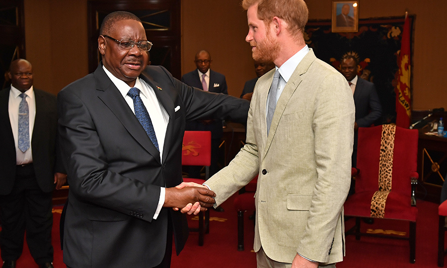 From there, Harry headed to a reception at State House with Malawian President <strong>Arthur Peter Mutharika</strong>.