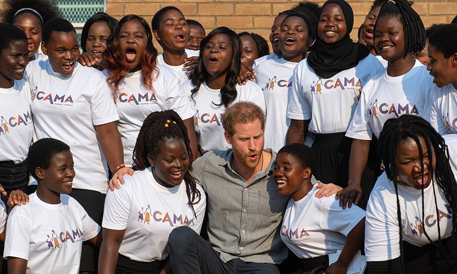 Harry also joined the CAMA choir outside the school for some singing and a group photo!