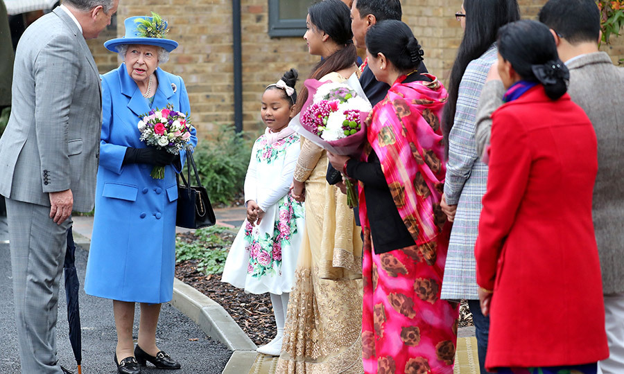 The Queen then spent some time speaking with her greeters. She's always very interested in and supportive of other people's lives! 
