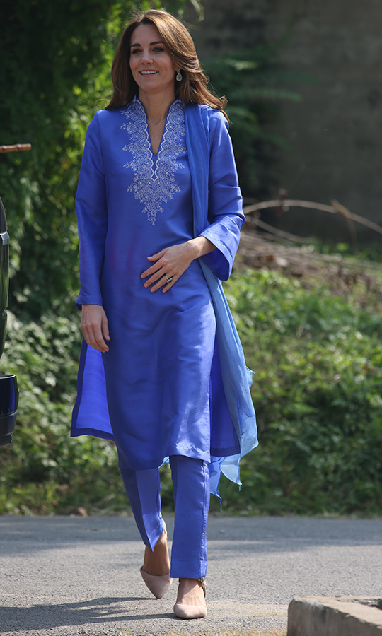 <p>Duchess Kate looked spectacular for her second day in Pakistan. The 37-year-old mother of three arrived at the school looking refreshed and relaxed after a good night's sleep following her arrival in the country with Prince William. 