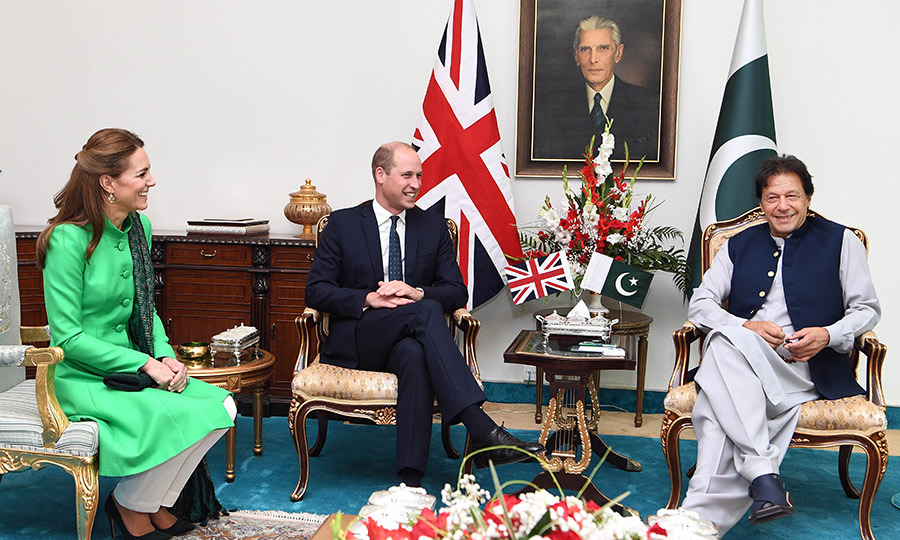 The couple enjoyed a conversation full of laughs with Imran underneath a portrait of <strong>Muhammad Ali Jinnah</strong>, the founder of Pakistan and the country's first governor-general. 