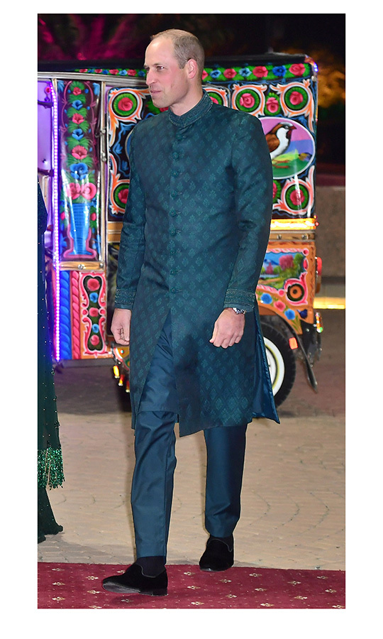 We also need to talk about what Prince William was wearing, because wow! He sported a teal sherwani coat over matching pants. The outfit is by Pakistani designer <strong>Naushemian</strong>. 
