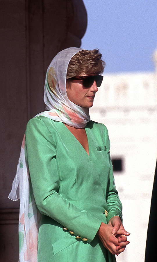 "Diana visited the Badshahi Mosque, a famous Mughal-era masjid, in Lahore on her 1991 visit. She looked respectful and cool in a green <strong><a href=""/tags/0/catherine-walker"">Catherine Walker</a></strong> coat dress, which she paired with a patterned headscarf and sunglasses the scream ""'90s."" 