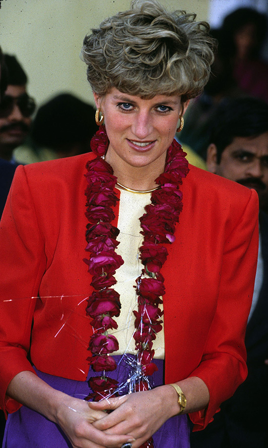 Diana, known for her colour block style, rocked this gorgeous red, yellow and purple ensemble in Lahore earlier in the day. 