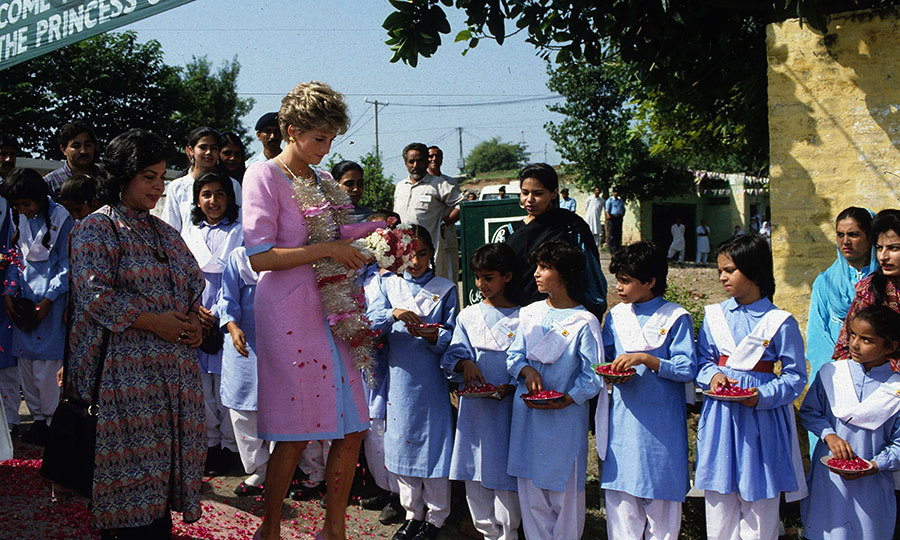 On Sept. 26, 1991, Diana was off to Islamabad, where, like William and Kate, she visited a school.