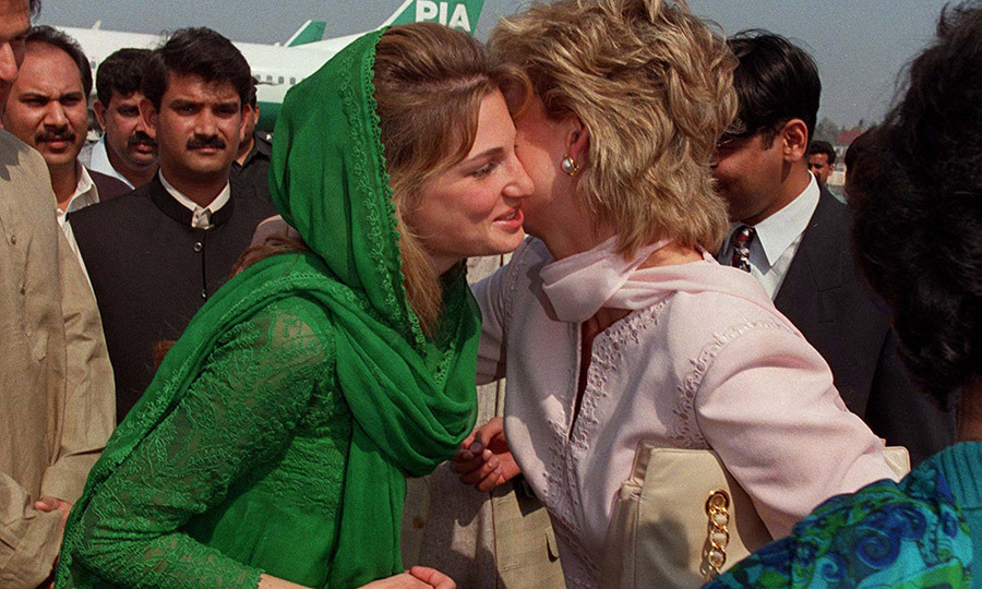 Diana returned to Pakistan in 1996, flying in to Lahore, where she was greated by <strong>Jemima Khan</strong> (now Goldsmith), the then-wife of cricket champion <strong>Imran Khan</strong>, who went on to become Pakistan's current prime minister.