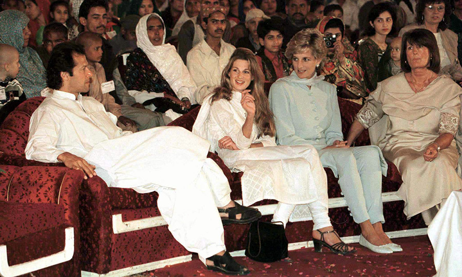The next day, Diana went with Jemima and Imran to Shaukat Khanum Hospital in Lahore, which was built by Imran and had just opened. The three took in a variety show, which was being held to fundraise for the centre. 