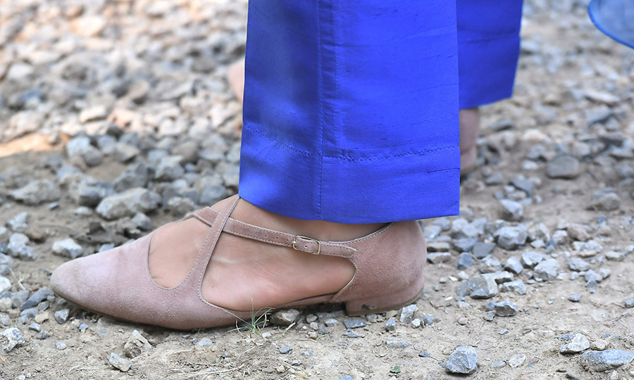"Kate's choice of footwear that day was a pair of brown <Strong><a href=""/tags/0/russell-and-bromley"">Russell & Bromley</a></strong> flats. 