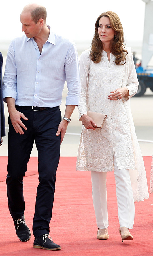 "On Oct. 17, Kate arrived in Lahore in a gorgeous outfit that consisted of an embroidered white shalwar kameez by <strong>Gul Ahmed</strong>, which she teamed with a white shawl by <strong><a href=""/tags/0/maheen-khan"">Maheen Khan</a></strong>. She accessorized with <strong>Asprey London</strong>'s Woodland Oak Leaf hoop earrings and a blush clutch by <strong><a href=""/tags/0/mulberry"">Mulberry</a></strong>, and chose suede tan pumps by <strong><a href=""/tags/0/gianvito-rossi"">Gianvito Rossi</a></strong>.