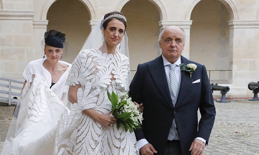 Her sister, <strong>Giorgiana</strong>, and father, <strong>Riprand von und zu Arco-Zinneberg</strong>, went into the church with her.