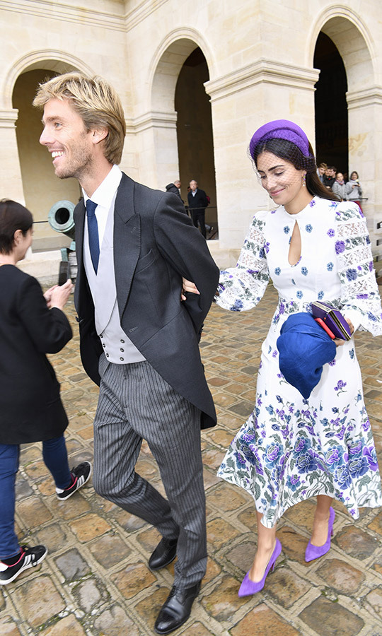 <strong>Prince Christian of Hanover</strong> and his wife <strong>Princess Alessandra of Osma</strong> looked gorgeous as usual. Alessandra wore a printed silk-blend midi dress by <Strong>Andrew Gn</strong>, a purple <strong>Mimoki Olympe</strong> headband, and light purple <strong>Ursula Mascaro</strong> heels. She carried a <strong>Yliana Yepez Gaia</strong> clutch. 