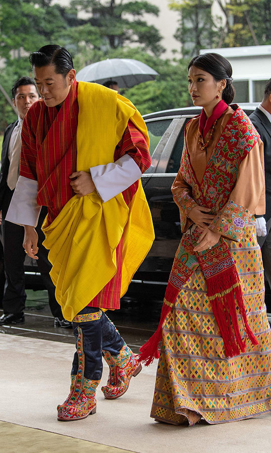 Bhutan's King <STRONG>Jigme Khesar Namgyel Wangchuck</strong> and Queen <strong>Jetsun Pema</strong> looked colourful as they arrived. 
