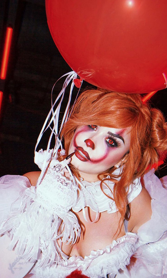 "<strong><a href=""/tags/0/demi-lovato"">Demi Lovato</a></strong> shocked Hollywood watchers when she showed up to her own party at HYDE nightclub in Los Angeles dressed as Lady Pennywise! The star came in a costume that resembled the female version of the <i>It</i> character repopularized by <strong>Bill Skarsgard</strong> and she looked incredible!