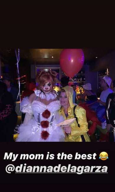 To make things even more awesome, Demi's mom, <Strong>Dianna de la Garza</strong>, attended the party as Georgie, complete with a red balloon and raincoat. 