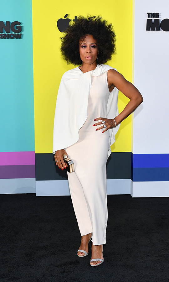 <strong>Karen Pittman</strong>, who plays Mia Jordan on the show, looked spectacular in a flowing white ensemble that came complete with a cape. 