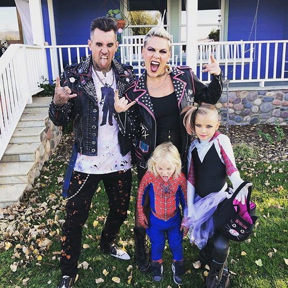 "<Strong><a href=""/tags/0/pink"">Pink</a></strong> and <strong><a href=""/tags/0/carey-hart"">Carey Hart</a></strong> were punk rockers, while their kids were Spider-Man and a pink rock spider. 