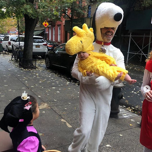 "<strong><a href=""/tags/0/andy-cohen"">Andy Cohen</a></strong> posted this sweet snap of him as Snoopy, carrying his son, who he'd dressed as Woodstock!