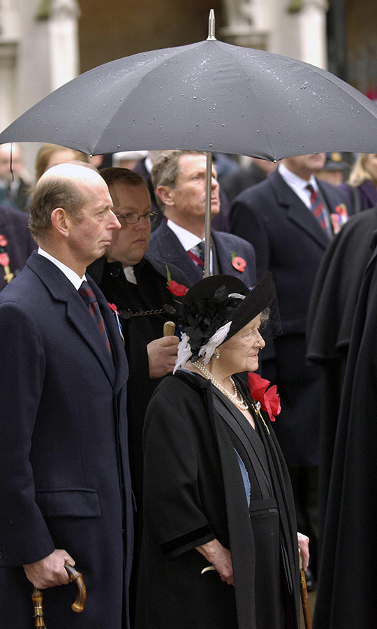 The Queen Mother at her final Remembrance Day service at Westminster Abbey in 2001. 