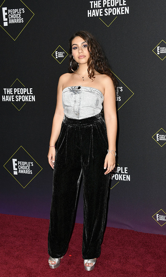 "Rising Canadian star <Strong><A href=""/tags/0/alessia-cara"">Alessia Cara</a></strong> also wore velvet on the red carpet, with a grey halter top and grey heels. 