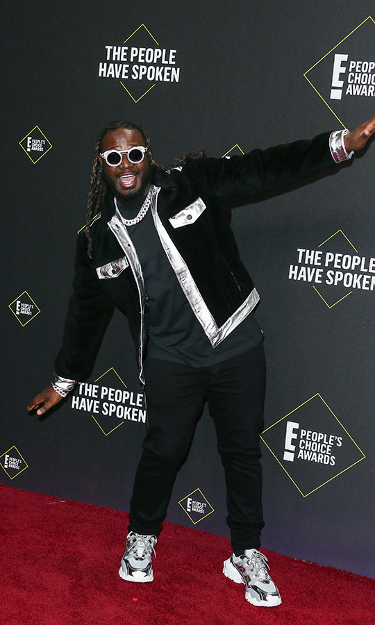 "<strong><a href=""/tags/0/t-pain"">T-Pain</a></strong> chose an eye-catching balck-and-silver combo.