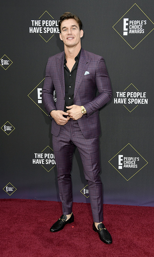 "<Strong><i><a href=""/tags/0/the-bachelorette"">The Bachelorette</a></strong></i>'s <strong>Tyler Cameron</strong> came in loafers (sans socks) and a purple plaid shirt. We dig this look. 