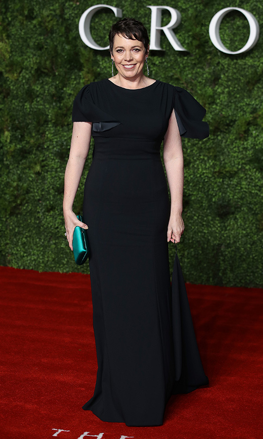 "<strong><a href=""/tags/0/olivia-colman"">Olivia Colman</a></strong> looked amazing in a stunning black dress, which she accessorized with a teal clutch.
