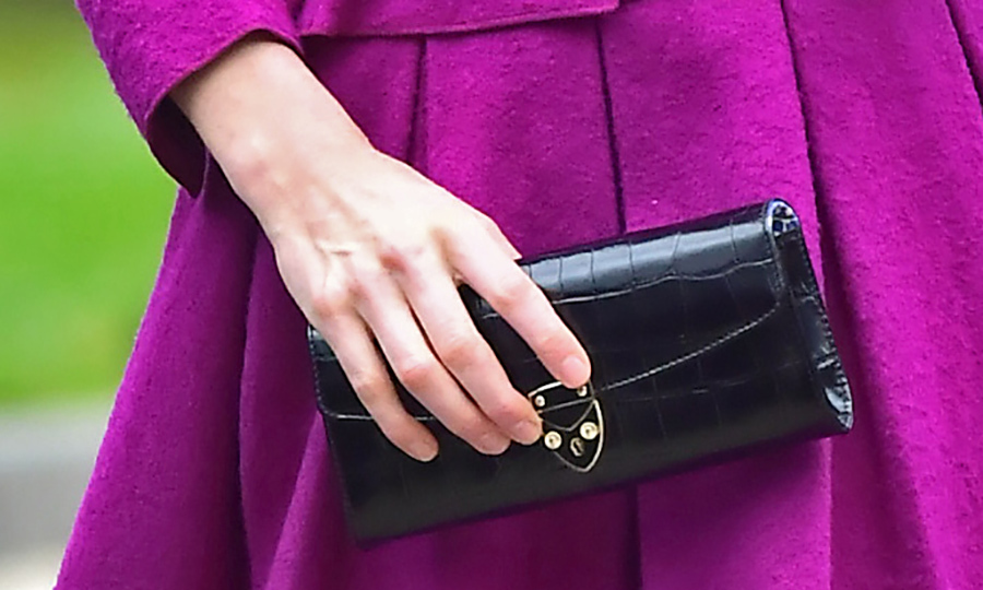 Here's a closer look at Kate's clutch. 