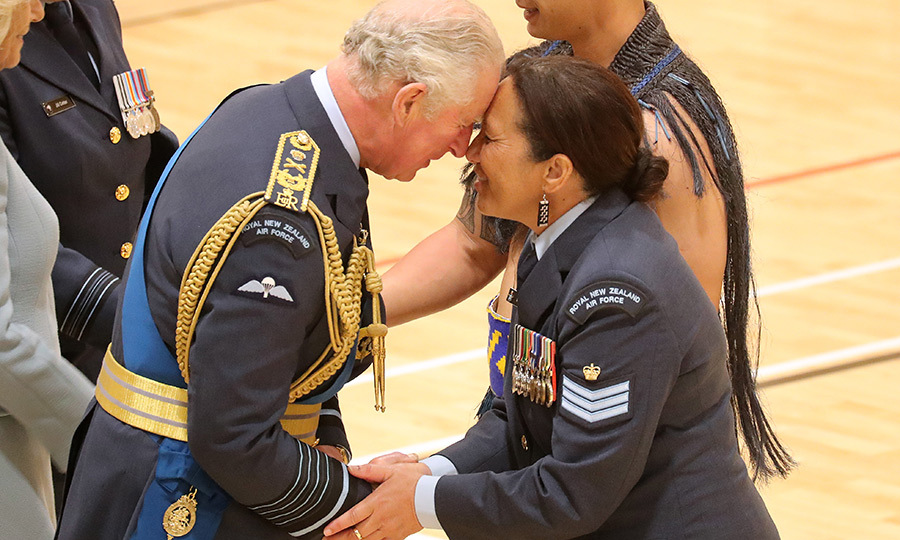 He was also given some hongis by several Māori members of the Royal New Zealand Air Force. 