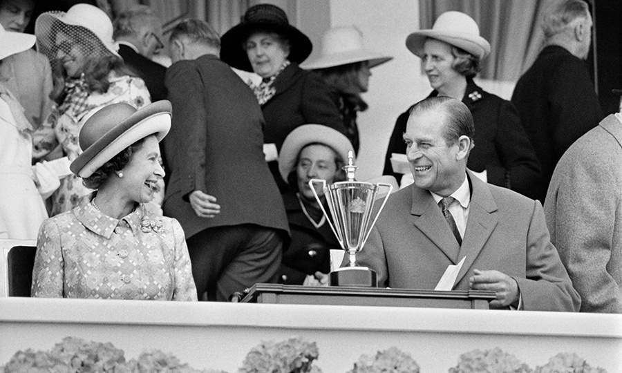 The Queen and Philip went on a state-visit to France in 1972, and shared this sweet moment at a racecourse. 