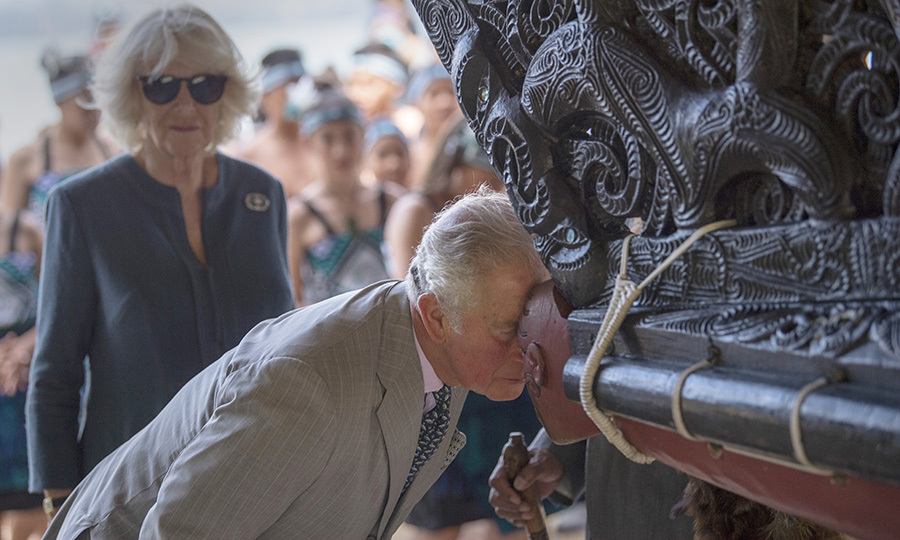 As a sign of deep respect for Māori culture and history, Charles performed a traditional hongi with the boat.