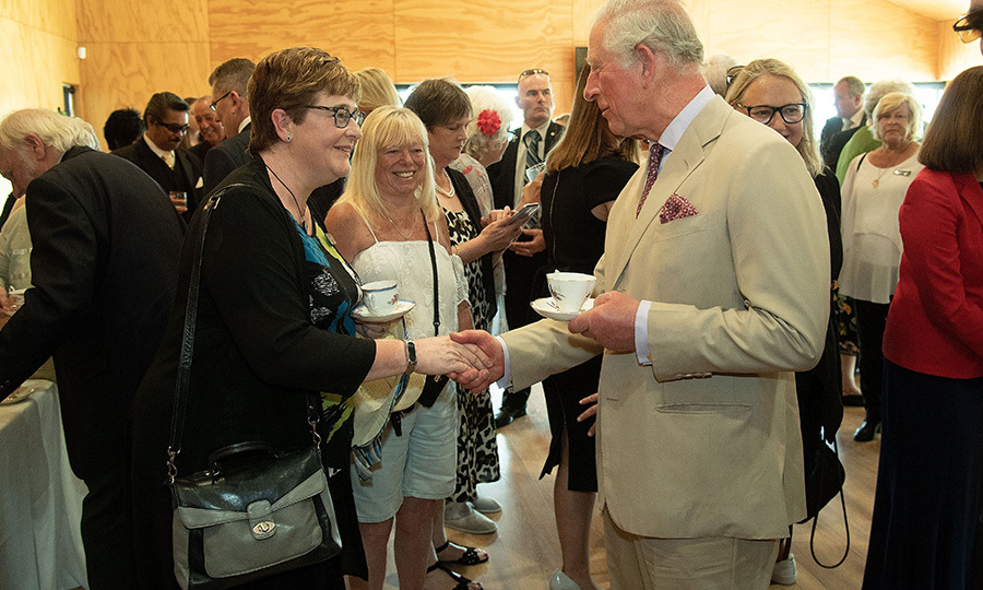The esttlement also held a reception and tea for them, during which Charles got the opportunity to meet more people. 
