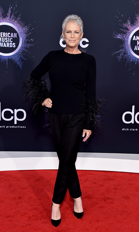 "Scream queen <strong><a href=""/tags/0/jamie-lee-curtis"">Jamie Lee Curtis</a></strong> is making us shriek again! She looked amazing in this all-black ensemble. 