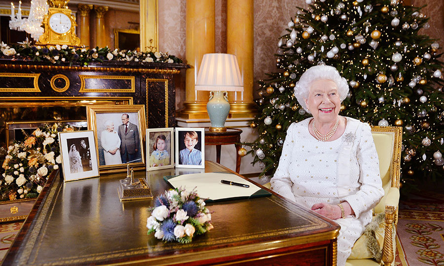 <h2>GIVE LIKE… THE QUEEN</h2>