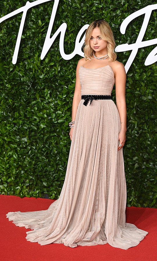 Royal alert! <strong><a href=/tags/0/lady-amelia-windsor>Lady Amelia Windsor</a></strong> looked incredible in this gorgeous strapless <strong>Alberta Ferretti</strong> dress, which she wore with a black belt around her waist and diamond accessories.