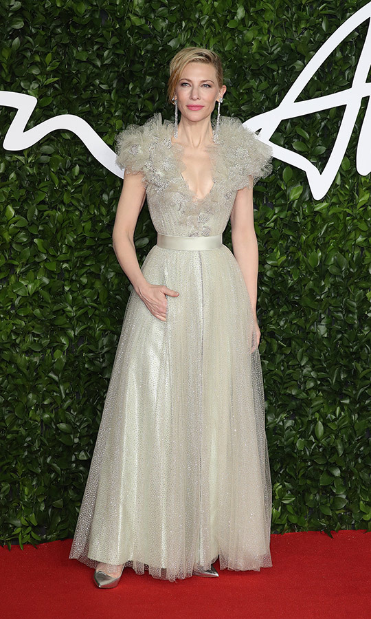 <strong><a href=/tags/0/cate-blanchett>Cate Blanchett</a></strong> looked like she had stepped out of a fairy tale with this light beige gown, which she paired with gorgeous diamond earrings.