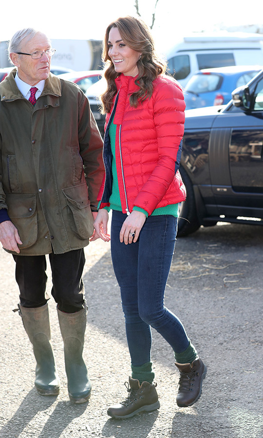 If you want to keep it casual, look no further than the outfit <Strong><a href=/tags/0/kate-middleton>Duchess Kate</a></strong> wore to help children pick out Christmas trees on Dec. 4!