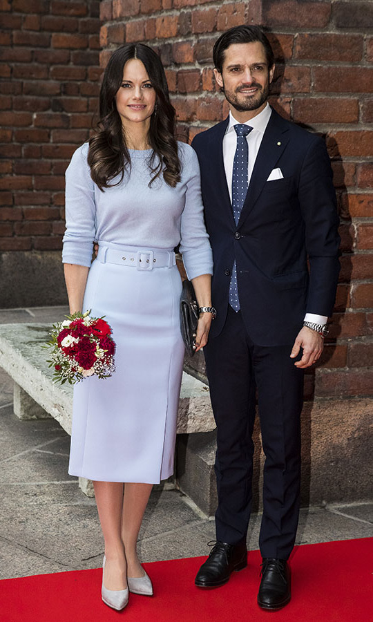 Here is another instance of Sofia looking dreamy in blue. During the Italian state visit to Sweden, she wore the elegant pastel look to lunch on Nov. 14, 2018. The refined dove grey pumps and black clutch complemented the subdued ensemble.<p>Photo: © MICHAEL CAMPANELLA/Getty Images