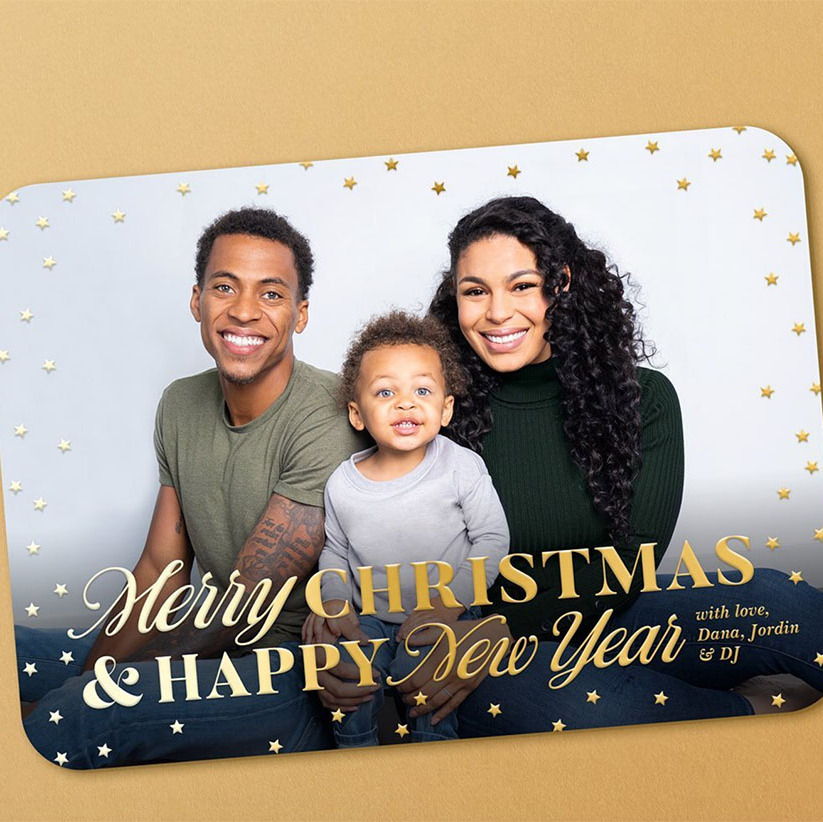 "<h2>Jordin Sparks</h2><p>How adorable are they? <a href=""https://ca.hellomagazine.com/tags/0/jordin-sparks""><strong>Jordin Sparks</strong></a></strong> revealed her young family's Christmas card on social media. It's a three-way tie for cutest smile!<p>Photo: © Instagram/jordinsparks"