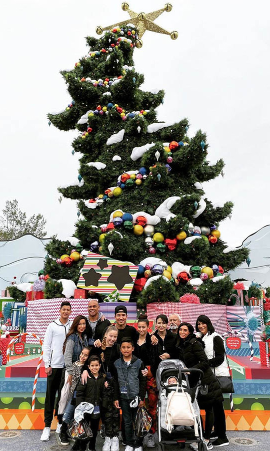 "<strong>Mario Lopez</strong><p></p><strong>Mario Lopez</strong> took a trip to Universal Studios Hollywood with his clan. He shared this photo on Instagram and wished everyone a ""Merry Grinchmas from the Lopez Fam Bam.""<p></p>Photo: © Instagram/mariolopez"