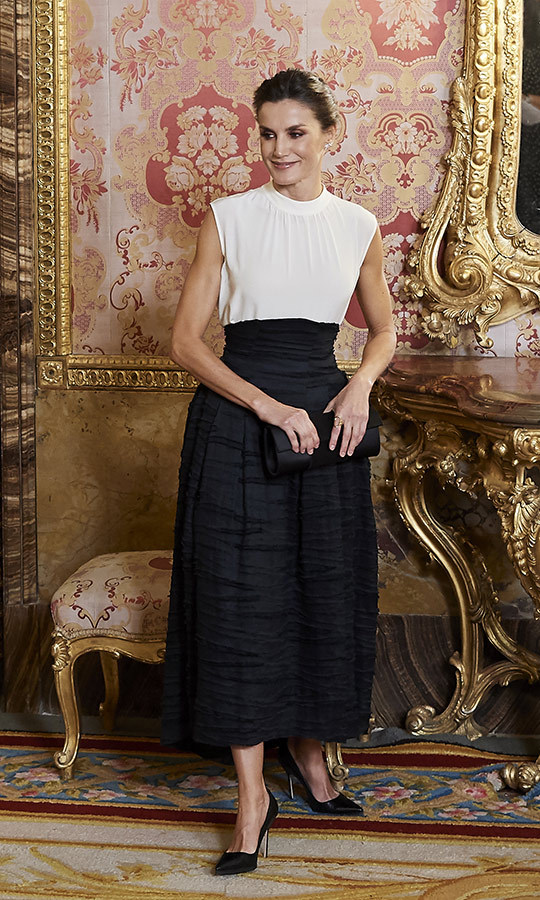 If you're heading for warmer climates over the holidays, look no further than this chic outfit <Strong><a href=/tags/0/queen-letizia>Queen Letizia</a></strong> wore to the United Nations Conference on Climate Change on Dec. 2. 