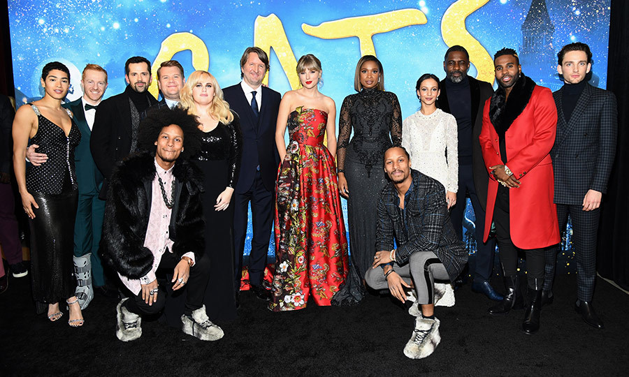 Everybody in fur! Meow!