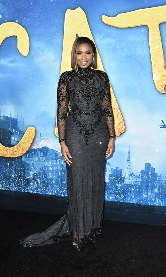 <a href=/tags/0/jennifer-hudson><strong>Jennifer Hudson</a></strong> looked gorgeous in a black lace number with a train.