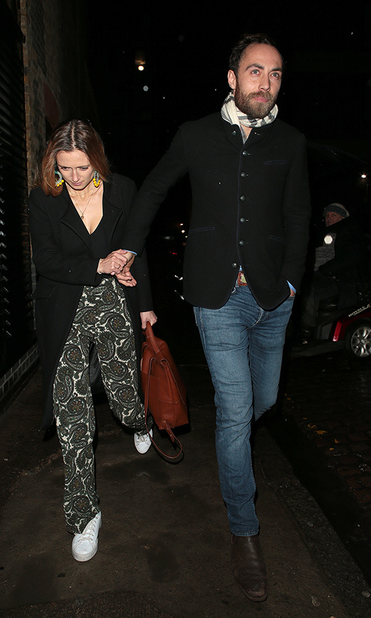 <a href=/tags/0/james-middleton><strong>James Middleton</a></strong> and <strong><a href=/tags/0/alizee-thevenet>Alizee Thevenet</a></strong> looked casual and cool as they arrived! He wore jeans and a dressy jacket, while she looked amazing (as always) in floral-patterned pants, a black sweater and white running shoes. 