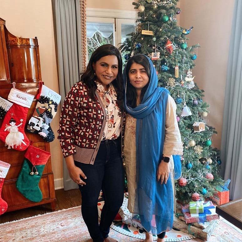 "<h2>Mindy Kaling</h2><p></p>The actress had <a href=""https://ca.hellomagazine.com/tags/0/malala-yousafzai/""><strong>Malala Yousafzai</strong></a> over for lunch and the two struck a pose in front of a Christmas tree.<p></p>Photo: © Instagram/mindykaling"