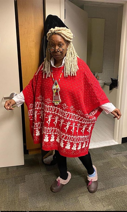 "<h2>Whoopi Goldberg</h2><p></p><strong><a href=""https://ca.hellomagazine.com/tags/0/whoopi-goldberg"">Whoopi Goldberg</a></strong> knows a good holiday sweater when she sees one. In fact, she even has her own range of them! This is one of the fun options!<p></p>Photo: © Instagram/whoopigoldberg"