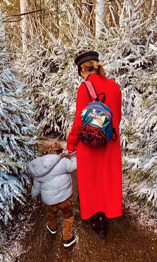 <h2>Cheryl</h2><p></p><strong>Cheryl</strong> uploaded this tender snap of her and son <strong>Bear</strong> wandering through the winter wonderland at LaplandUK.<p></p>Photo: © Instagram/cherylofficial